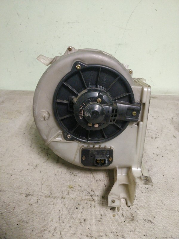 Мотор печки Mitsubishi Delica PE8W 4M40 1999.11 (б/у)
