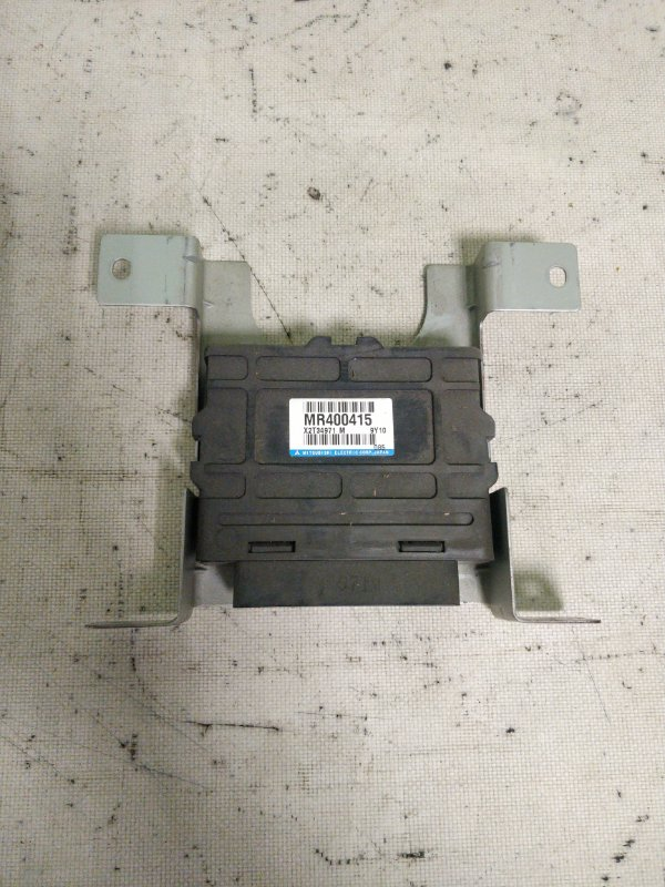 Блок управления abs Mitsubishi Delica PE8W 4M40 1999.11 (б/у)