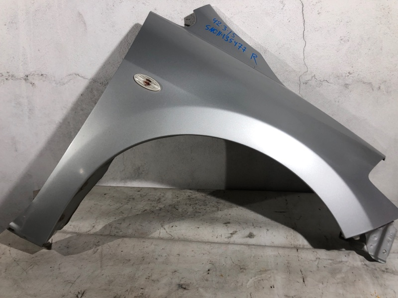 Крыло Nissan Tiida Latio SNC11 переднее правое (б/у)