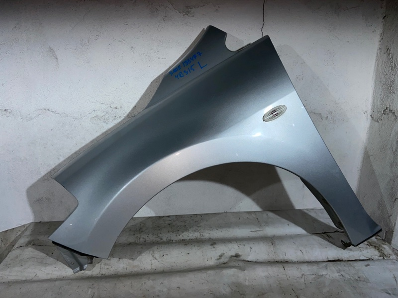 Крыло Nissan Tiida Latio SNC11 переднее левое (б/у)