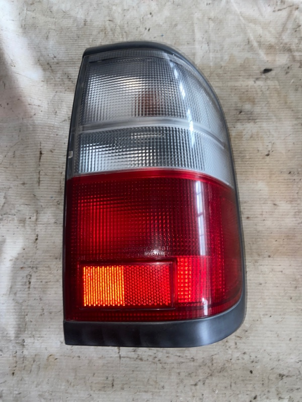 Стоп-сигнал Nissan Terrano Regulus JTR50 задний правый (б/у)
