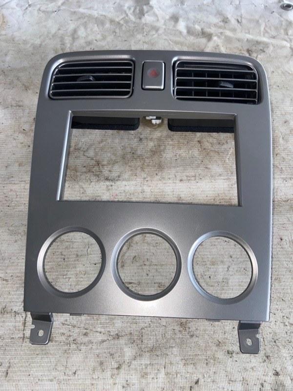 Консоль магнитофона Subaru Forester SG5 (б/у)