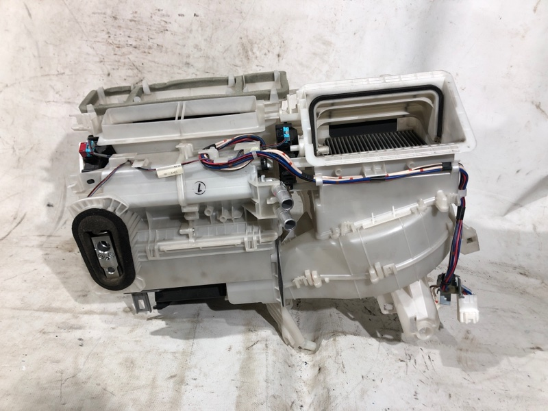 Корпус моторчика печки Toyota Prius ZVW30 2ZR-FXE 2010.04 (б/у)