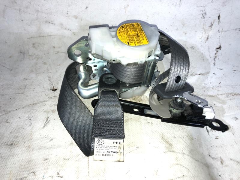 Ремень безопасности Toyota Prius ZVW30 2ZR-FXE 2010.04 передний правый (б/у)