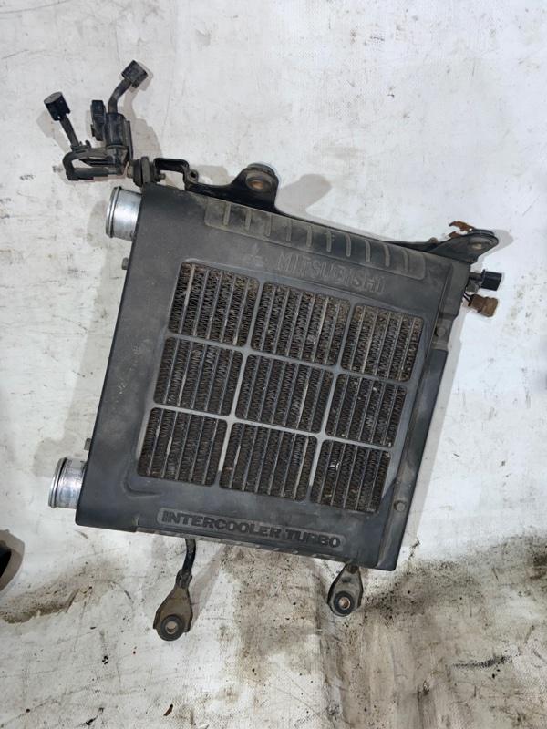 Радиатор интеркулера Mitsubishi Delica PE8W 4M40 1997.09 (б/у)