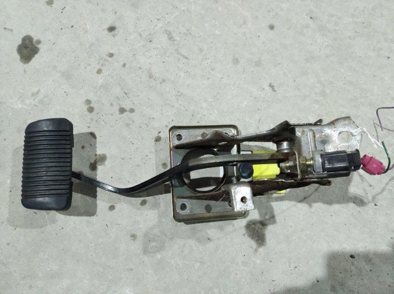 Педаль тормоза Toyota Hilux Surf KZN185 1KZ-TE (б/у)