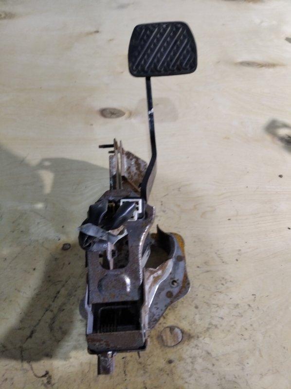 Педаль тормоза Nissan X-Trail NT31 (б/у)