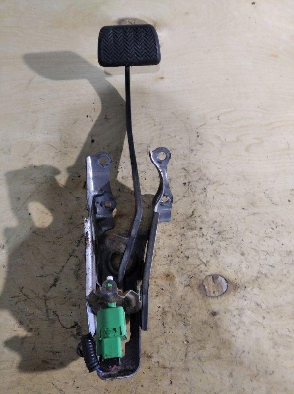 Педаль тормоза Toyota Corolla Fielder ZRE144 (б/у)