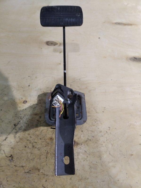 Педаль тормоза Nissan Wingroad WHNY11 (б/у)