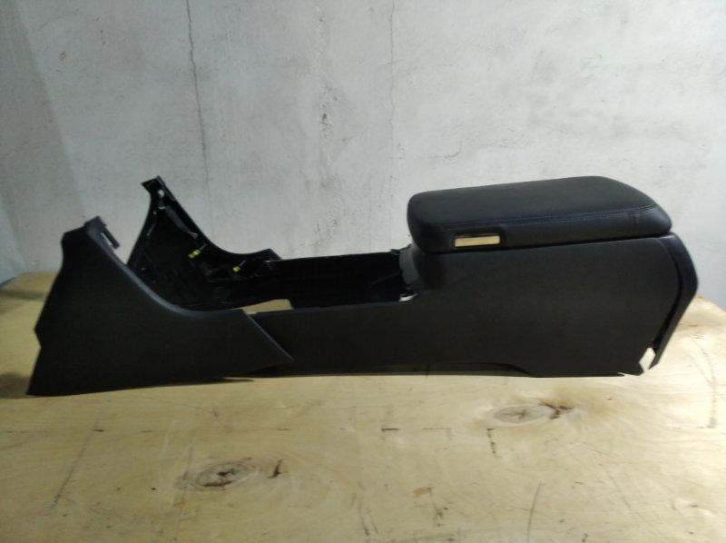 Бардачок между сиденьями Toyota Crown Majesta URS206 1UR-FSE 2010.04 (б/у)