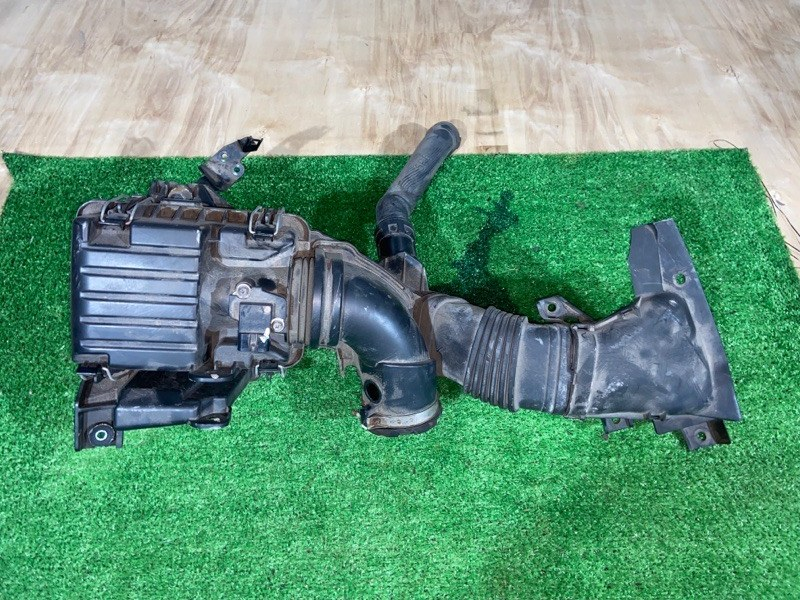 Корпус воздушного фильтра Honda Fit GP6 LEB 2015 (б/у)