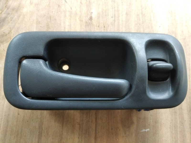Ручка двери внутренняя Honda Cr-V RD1 передняя левая (б/у)