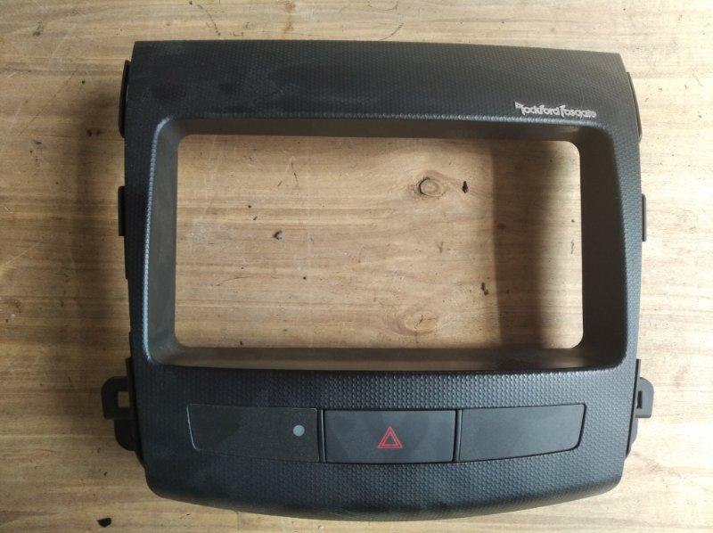 Консоль магнитофона Mitsubishi Outlander CW5W (б/у)