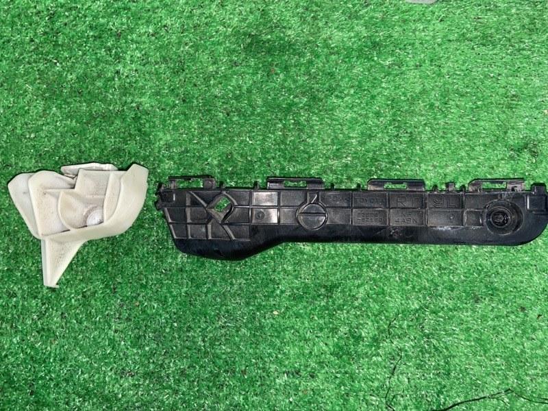 Крепление бампера Toyota Aqua NHP10 1NZFXE 2014 заднее правое (б/у)