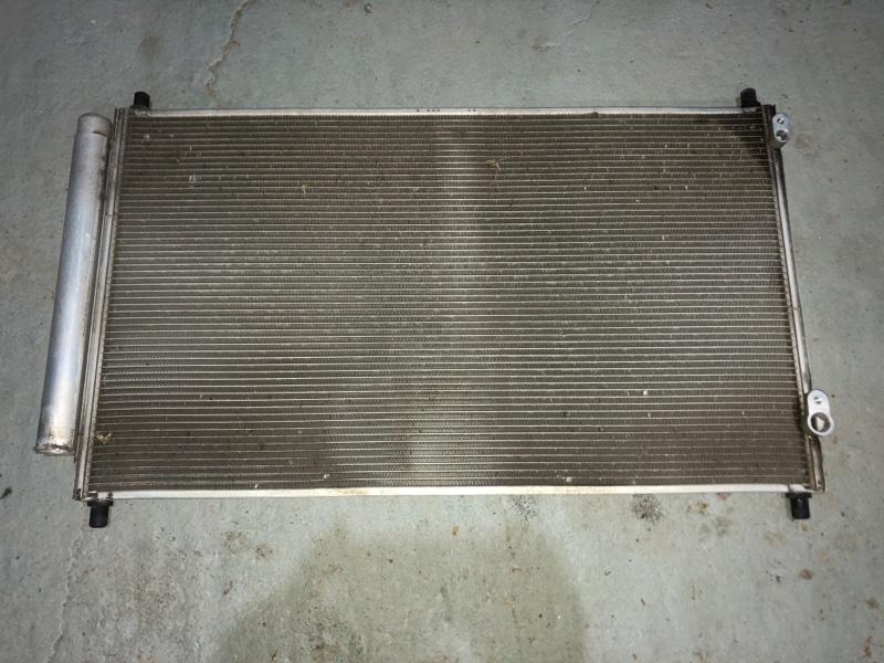 Радиатор кондиционера Toyota Aqua NHP10 1NZFXE 2014 (б/у)