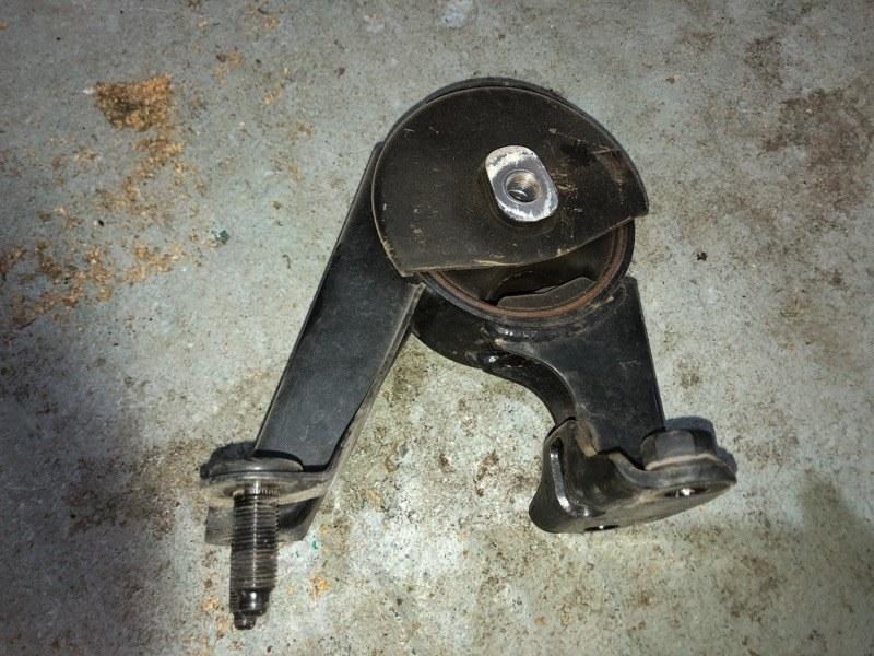 Подушка двигателя Toyota Prius ZVW30 2ZR-FXE 2010.09 задняя (б/у)