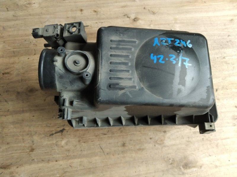 Корпус воздушного фильтра Toyota Caldina AZT246 (б/у)