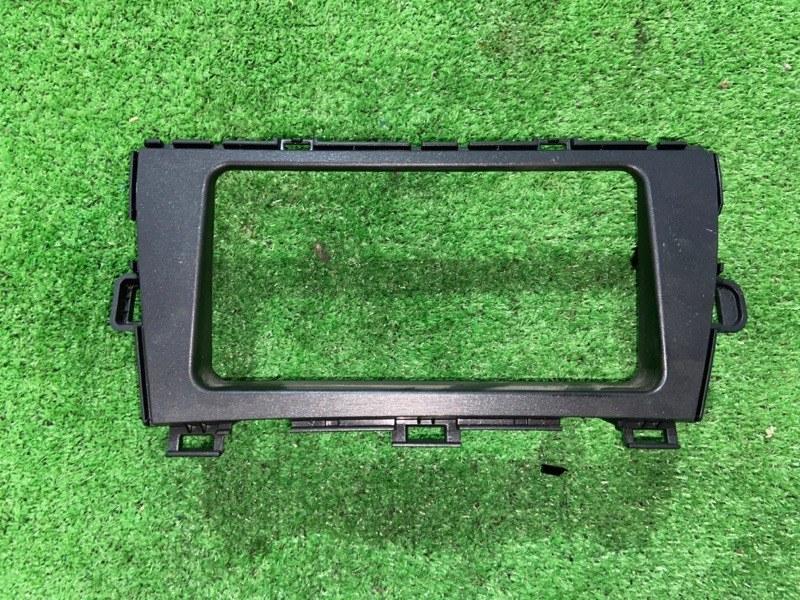 Консоль магнитофона Toyota Prius ZVW30 2ZR-FXE 2010.09 (б/у)