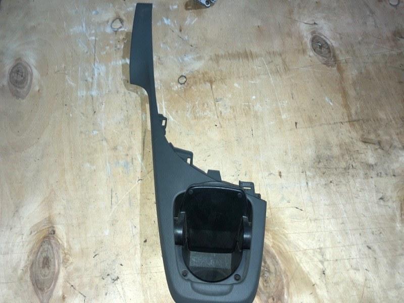 Консоль магнитофона Toyota Prius ZVW30 2ZR-FXE 2010.11 (б/у)