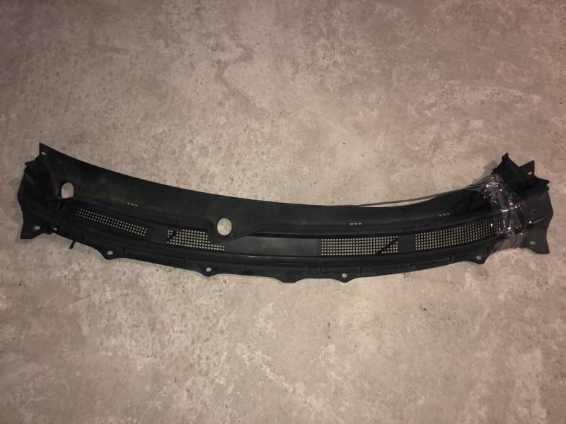 Решетка под лобовое стекло Nissan X-Trail NT31 (б/у)