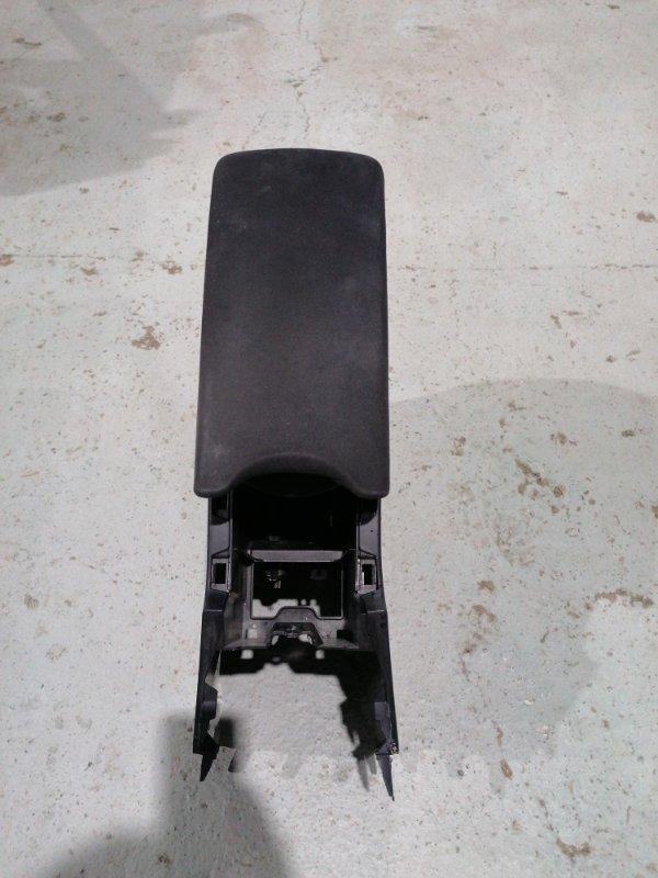Бардачок между сиденьями Toyota Prius ZVW30 2ZR-FXE 2012.02 (б/у)