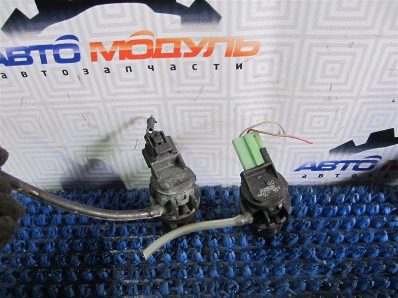 Мотор стеклоомывателя Toyota
