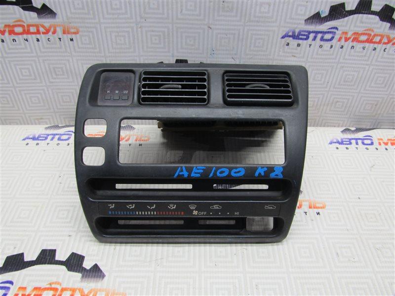 Консоль магнитофона Toyota Sprinter AE100-7050961 5A-FE 1994