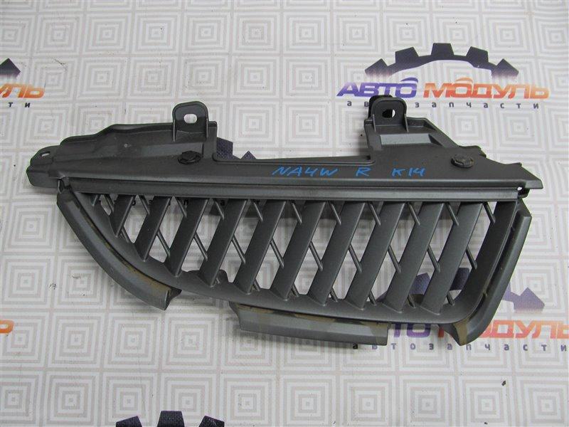Решетка радиатора Mitsubishi Grandis NA4W 4G69 правая