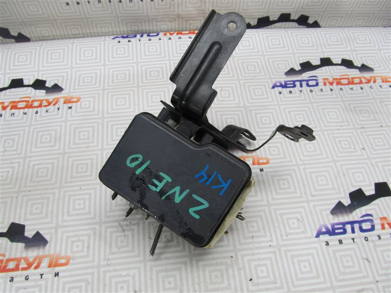 Блок abs Toyota Wish ZNE10-0252269 1ZZ-FE 2005