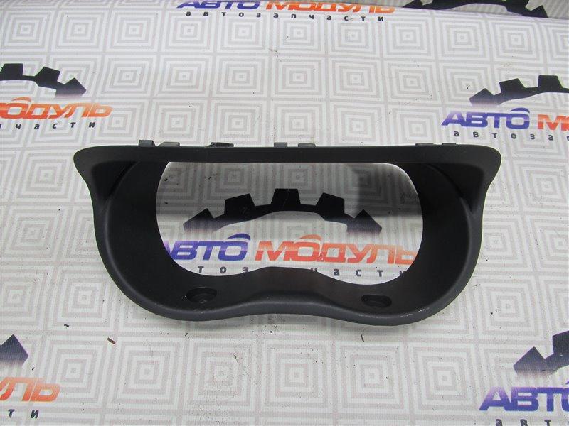Консоль панели приборов Toyota Ist NCP60-0131183 2NZ-FE 2003