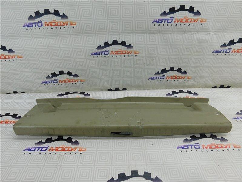 Накладка замка багажника Toyota Premio AZT240-0011737 1AZ-FSE 2002 задняя