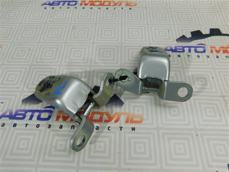 Петля дверная Honda Civic FD1-1100166 R18A передняя левая