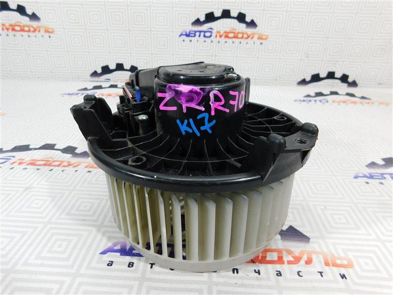 Мотор печки Toyota Noah ZRR70