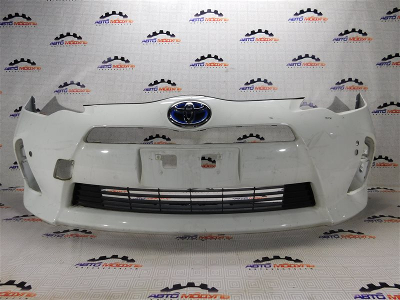 Бампер Toyota Aqua NHP10 передний
