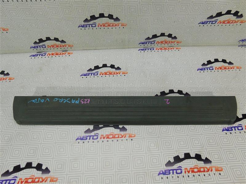 Накладка на порог Mitsubishi Pajero V65W-0002221 6G74 2000 правая