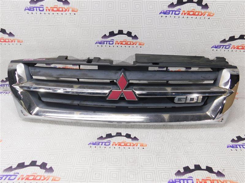 Решетка радиатора Mitsubishi Pajero V65W-0002221 6G74 2000