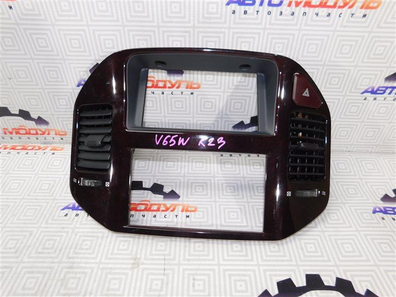 Консоль магнитофона Mitsubishi Pajero V65W-0002221 6G74 2000