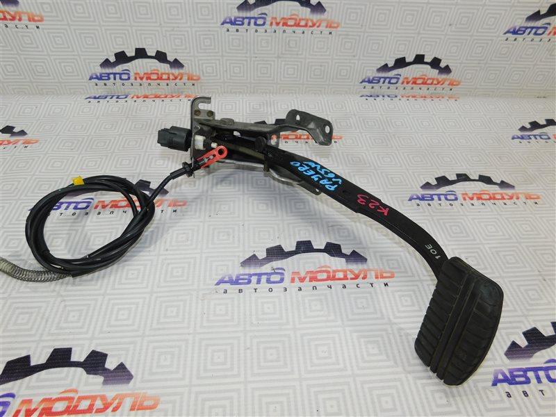Педаль тормоза Mitsubishi Pajero V65W-0002221 6G74 2000