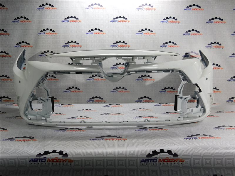 Бампер Toyota Corolla NRE210 передний
