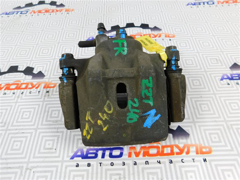 Суппорт Toyota Premio NZT240 передний правый
