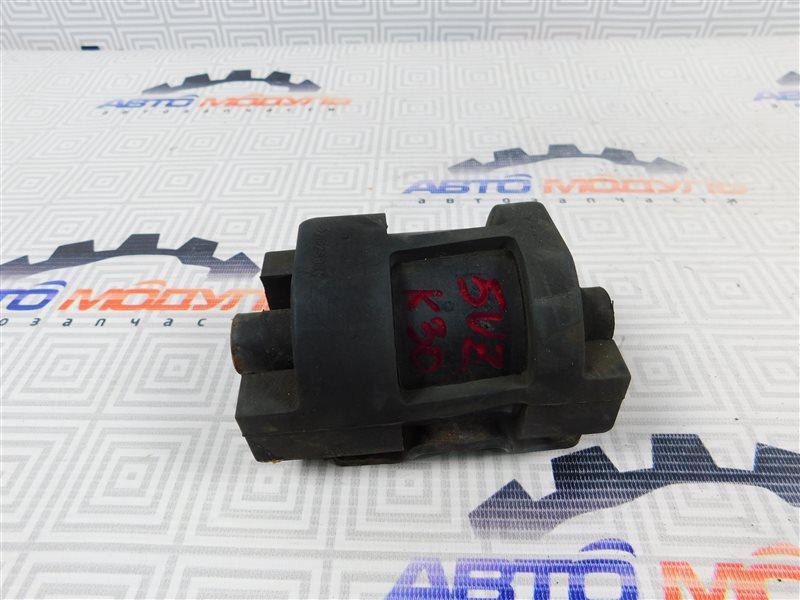 Подушка двигателя Toyota Grand Hiace VCH16 5VZ задняя