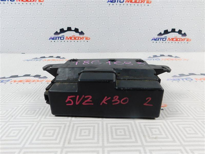 Блок предохранителей Toyota Grand Hiace VCH10 5VZ