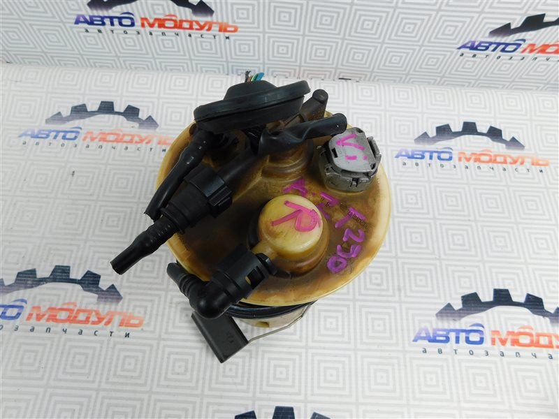 Топливный насос Toyota Avensis AZT250-0008342 1AZ-FSE 2003