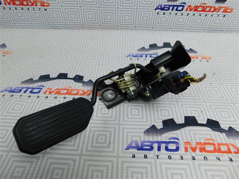Педаль газа Toyota Avensis AZT250-0008342 1AZ-FSE 2003