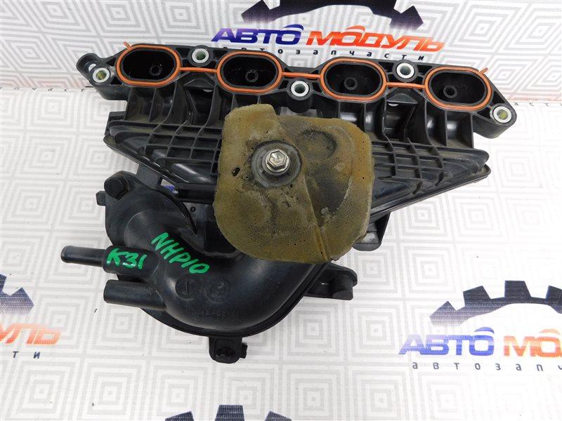 Коллектор впускной Toyota Aqua NHP10-6102815 1NZ-FXE 2012