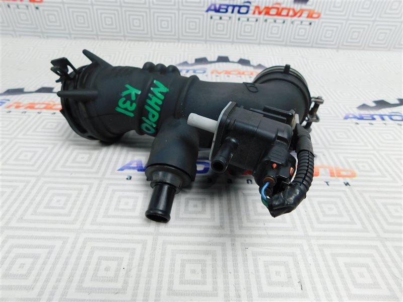Патрубок воздушн.фильтра Toyota Aqua NHP10-6102815 1NZ-FXE 2012
