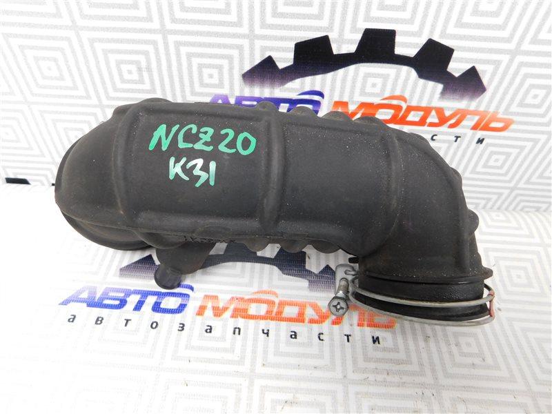 Патрубок воздушн.фильтра Toyota Raum NCZ20 1NZ