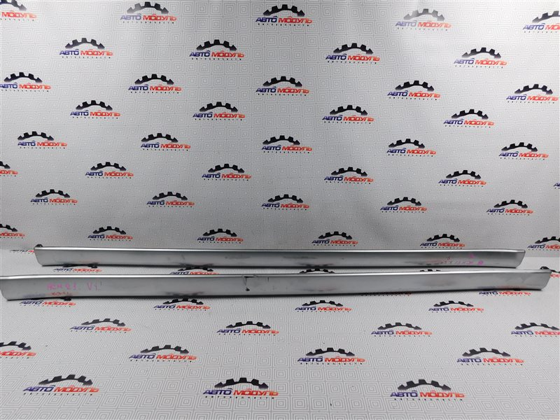 Порог Toyota Ipsum ACM21-0070563 2AZ-FE