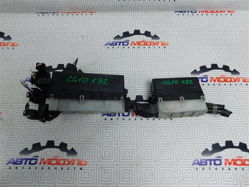 Блок предохранителей Nissan March K11 CG10-DE