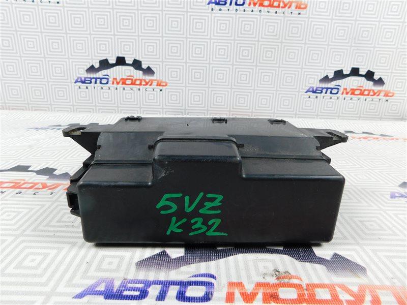Блок предохранителей Toyota Granvia VCH10 5VZ